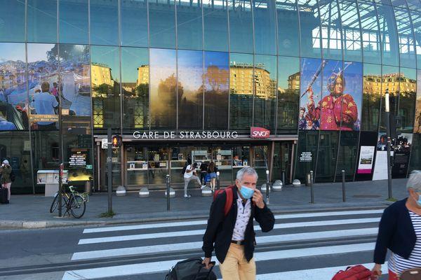 La gare de Strasbourg est un noeud d'interconnexion de nombreuses lignes de trains express régionaux (TER).