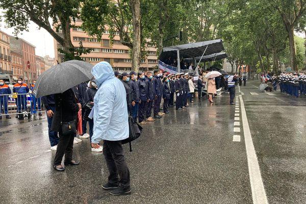 Défilé du 14 juillet à Toulouse rend hommage à ceux qui se sont mobilisés pendant la pandémie.