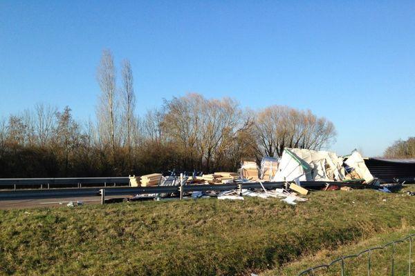 L'autoroute A31 est fermée à la circulation en direction de Lyon suite à un accident impliquant un poids lourd lundi 26 février 2018.