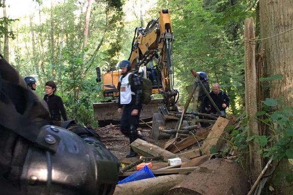 Le 10 septembre 2018, un bulldozer faisait tomber les arbres dans la forêt de Kolbsheim. Une date anniversaire qui marque depuis deux ans l'ouverture du festival 10 jours VERT le futur.