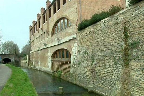 - Le Robec et l'auberge de jeunesse de Rouen