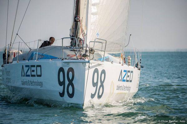 Maxime Cauwe sur son bateau Azeo On