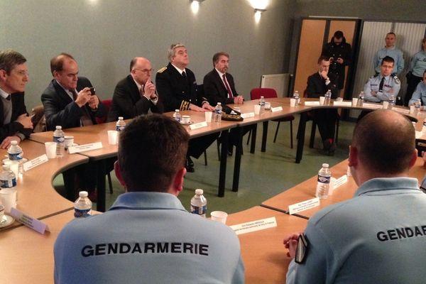 Bernard Cazeneuve entouré de Pierre Dartout (Préfet), Jean-Pierre Bouquet (Maire), Charles De Courson (Député de la Marne).