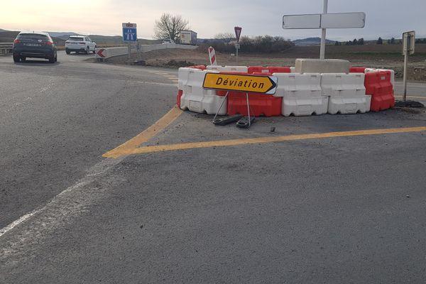 Sur l'A75, au sud de Clermont-Ferrand, les travaux d'élargissement de l'autoroute A75 ont lieu.