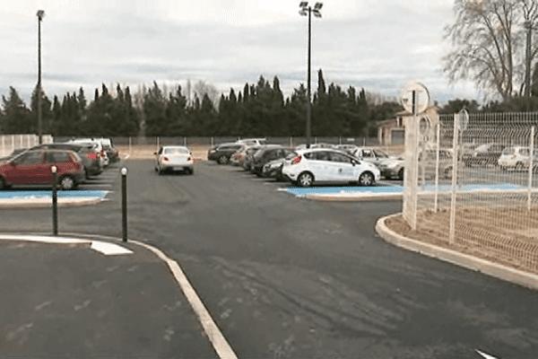 Le parking relais de Saint-Estève à 10mn en bus du centre ville de Perpignan.