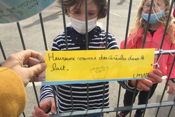 """A Pont-Scorff, les enfants des écoles ont écrit leurs """"Petits papiers"""""""