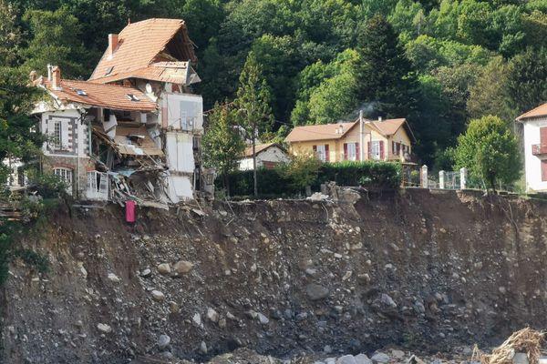 Dans la vallée de la Vésubie, de nombreuses maisons ont été totalement détruites ou sont inhabitables.