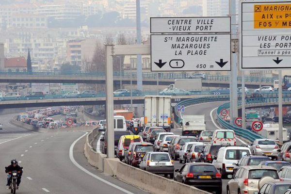 Embouteillage à l'entrée de Marseille (2008).