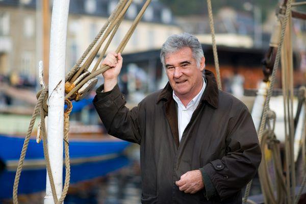 Georges Pernoud, à Saint-Brieuc en 2011. Le journaliste présentateur sillonnait souvent les côtes bretonnes pour l'émission Thalassa