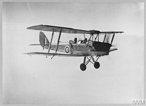 Un de Havilland Tiger Moth utilisé par la Royal Air Force pour la formation et l'entraînement des pilotes de chasse.