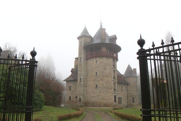 Le château de Montintin en Haute-Vienne accueillit une centaine d'enfants juifs pendant la Seconde Guerre mondiale.