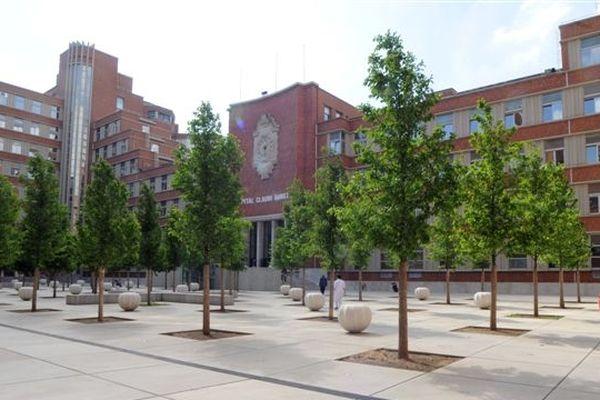 L'hôpital Claude Huriez de Lille où sont accueillis deux des trois cas suspects