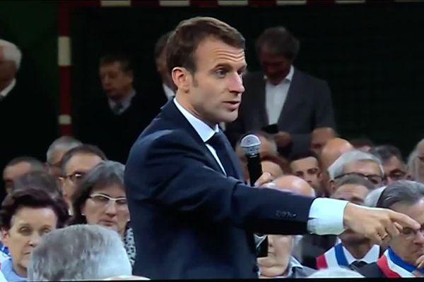 Le président de la République, Emmanuel Macron, lors d'un grand débat dans l'Eure au mois de janvier dernier (illustration).