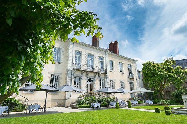 L'hôtel 4 étoiles Perier du Bignon à Laval propose gracieusement des chambres pour les personnels soignants