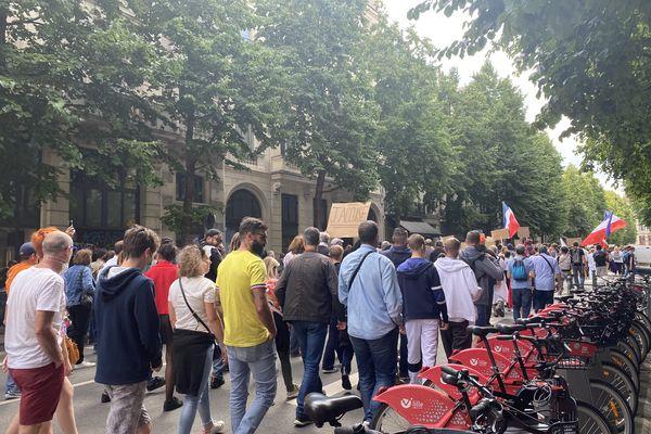 Plus de 3000 personnes étaient présentes lors de la manifestation contre le pass sanitaire à Lille.