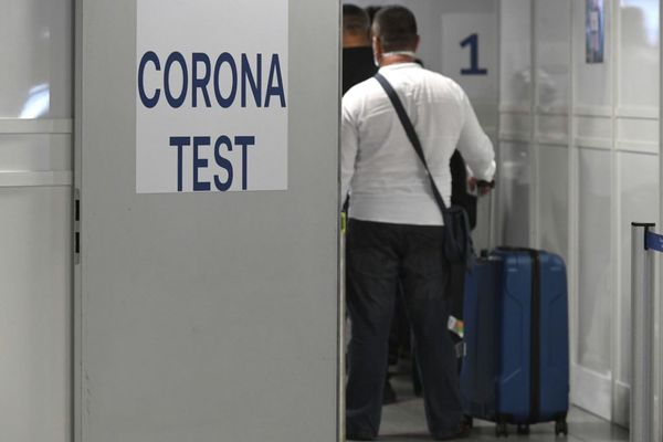 Zone de dépistage du coronavirus à l'aéroport de Dusseldorf, en Allemagne, en juillet 2020