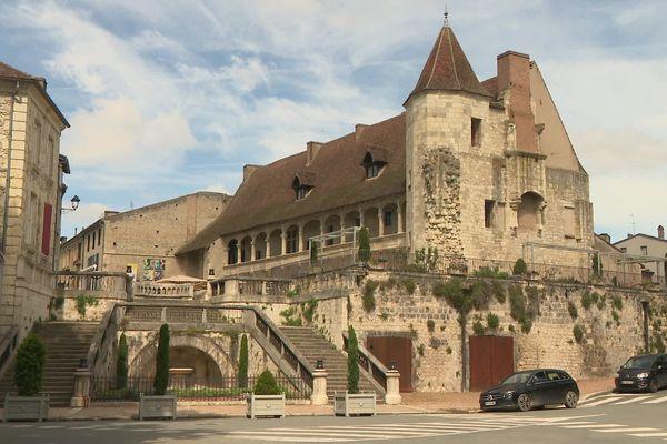 Le château de Nérac en Lot-et-Garonne, situé en centre-ville, se visite gratuitement à l'occasion des journées du patrimoine 2021.