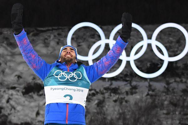 Martin Fourcade, vainqueur à la photo-finish de la mass start (15 km) de biathlon dimanche, devient ainsi le Français le plus titré de l'histoire des JO d'hiver, avec 5 médailles d'or - février 2018.