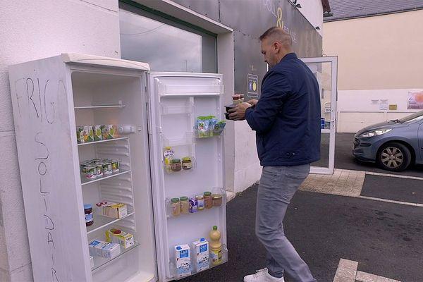 Mohammed Ouatman et son frigo solidaire à Saint-Jean-de-Braye