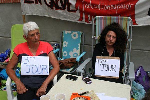 Mercredi, au 17 è jour de grève de la faim de l'enseignante du collège de Bellefontaine devant le rectorat de Toulouse