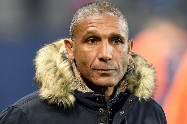 Jusqu'ici entraîneur des Chamois Niortais en Ligue 2, l'an cien Toulousain Franck Passi pourrait être le 3ème larron dans la recherche du prochain entraîneur du TFC.