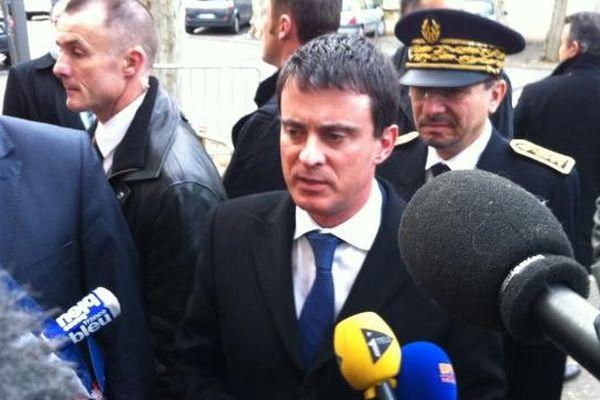 Comme son prédécesseur, le ministre de l'Intérieur multiplie les visites à Marseille.