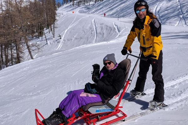 A cause de sa maladie, Mark Bibbings ne pouvait plus skier depuis près de 20 ans