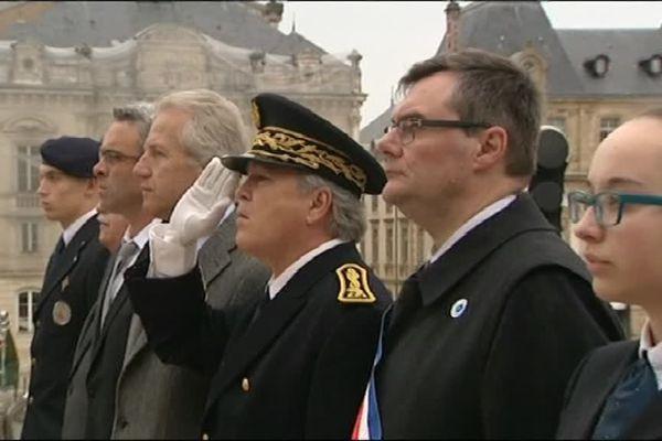 Rémi Rebeyrotte (maire DVG d'Autun) et Philippe Baumel (député PS de Saône-et-Loire) - qui entourent ici le sous-préfet, risquent de s'affronter aux prochaines élections législatives en Saône-et-Loire
