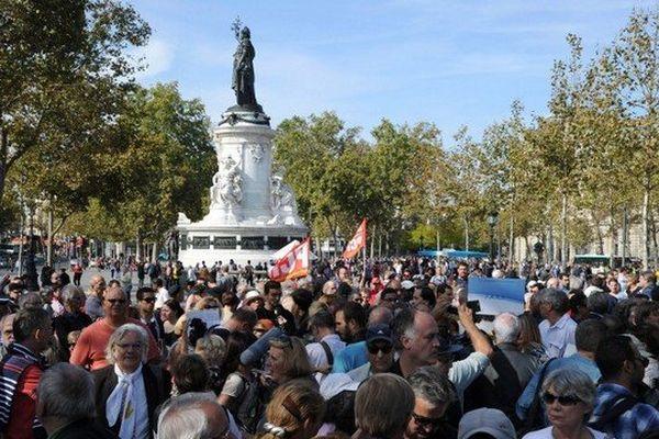 La manifestation a réuni des militants d'organisations antiracistes (Mrap, SOS Racisme UEJF...), de partis politiques comme le PS et le PCF, de syndicats tels la CGT, ou encore de la coordination Chrétiens d'Orient en danger (Chredo).