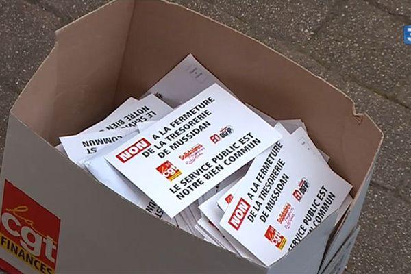 2 000 pétitions envoyées à Emmanuel Macron pour empêcher la fermeture de la trésorerie de Mussidan