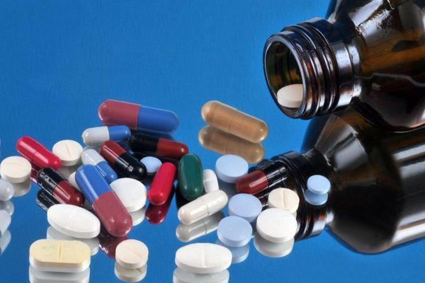 L'Elmiron, médicament prescrit contre la cystite interstitielle, ne sera plus remboursé ni disponible en France, à partir du 1er février 2020.