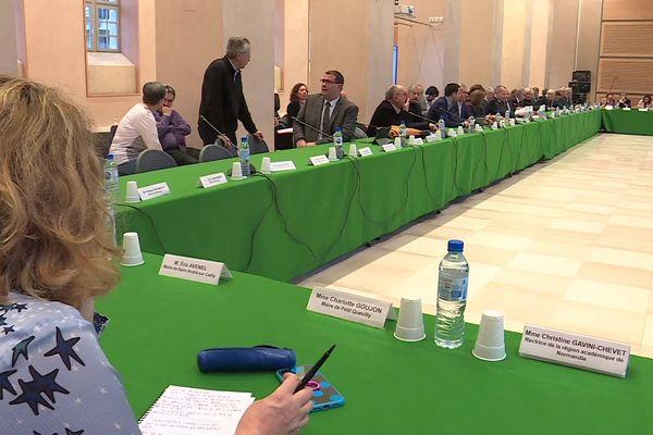"""Rouen le lundi 27 janvier 2020. Réunion du  """"Comité pour la transparence et le dialogue"""" à la préfecture de région"""