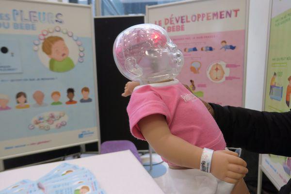 Vitry sur Seine. Un bébé équipé de capteurs utilisé par la PMI du 94 pour prévenir le syndrome du bébé secoué.