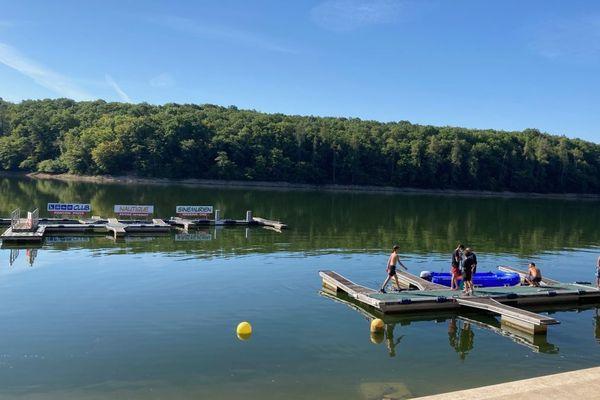 Trois semaines après l'ouverture, le club nautique du lac de Pont (Côte d'Or) ferme ce dimanche 19 juillet.