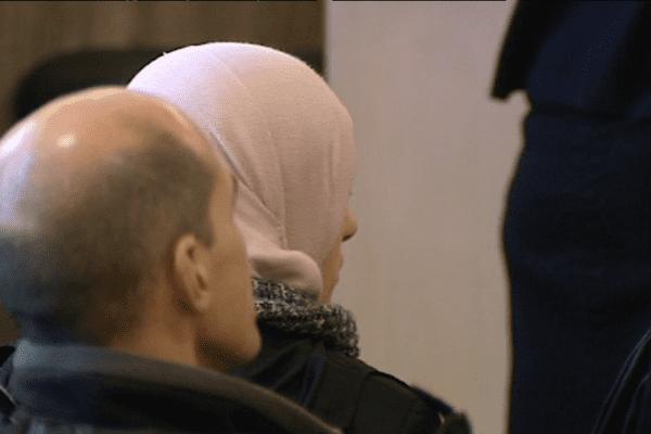 Maryem A, la mère de la petite Bouthaina assiste depuis le premier jour au procès de son mari