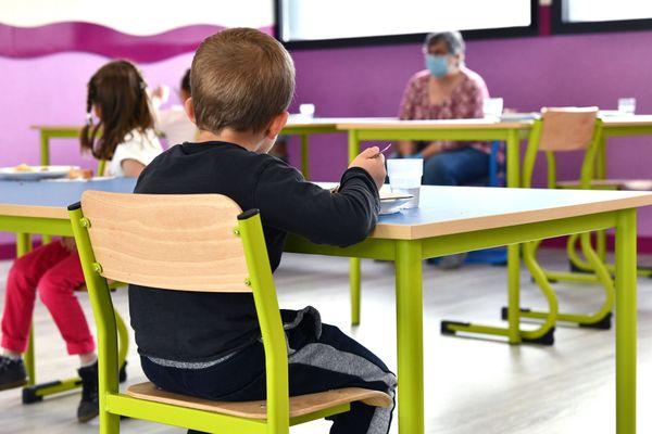 Illustration. Des cas de coronavirus ont été confirmés dans trois établissements de Haute-Vienne au lendemain de la rentrée scolaire.