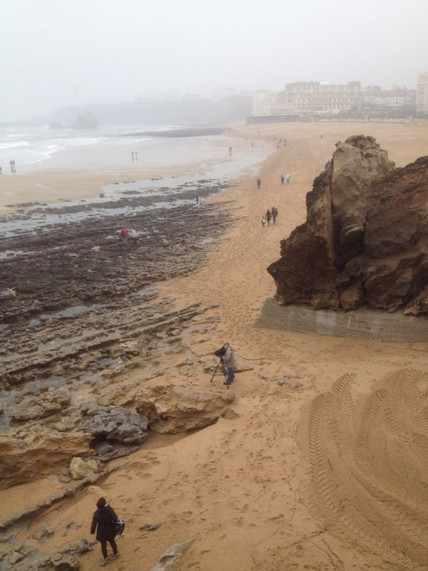la plage de Biarritz à marée très basse