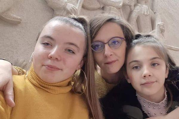 Alison et ses deux filles tentent aujourd'hui de reconstruire leur vie.