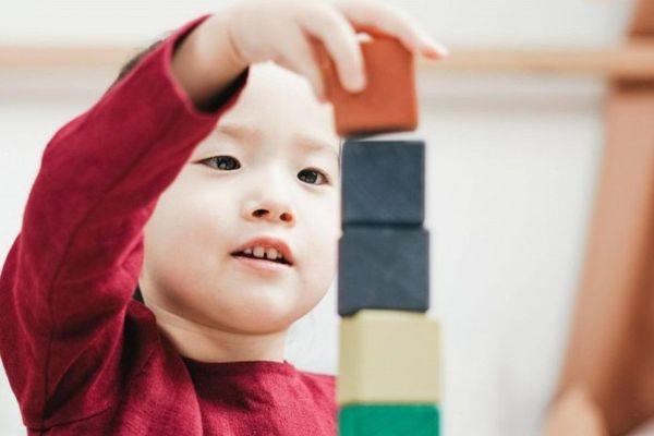 Le jeu est au coeur de l'éveil de nos enfants. C'est pour cela que son intérêt doit être suscité et renouvelé.