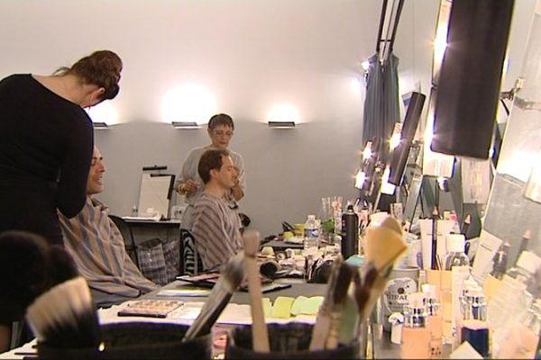 Maquillage avant la représentation de Wozzeck d'Alan Berg
