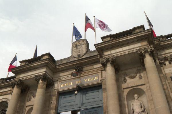 La ville de Bordeaux porte haut et fort les couleurs de l'UBB pour la demi-finale de Top 14 de ce samedi soir