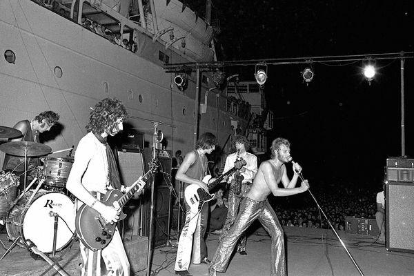 Le 9 août 1969, Johnny Halliday  se produit sur la plage du Barcarès, devant le mythique Lydia, haut-lieu de la vie nocturne de la côte catalane dans les années 70