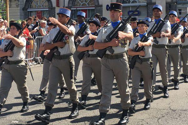Le défilé du 14 juillet 2019, place de Jaude à Clermont-Ferrand