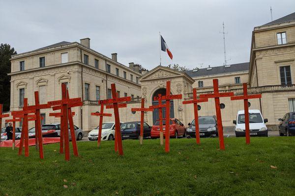 Les professionnels de l'événementiel  ont décidé de se rendre visibles au travers d'un convoi mortuaire à Caen jusqu'à la préfecture