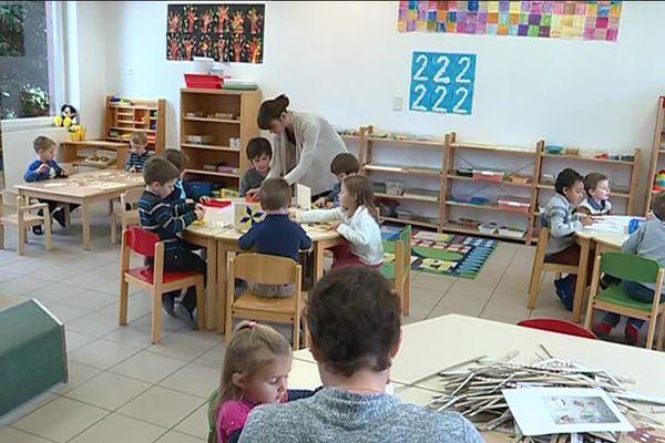 A Haguenau, l'école ABCM pratique l'immersif total (50% allemand et 50% alsacien) dans ses classes de maternelle.
