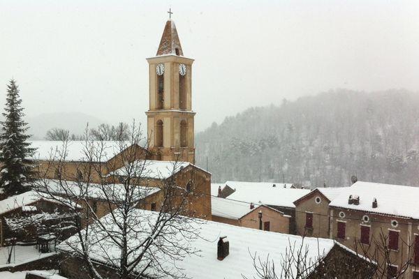 Mardi 12 février, le petit village d'Evisa (Corse-du-Sud), à 900 mètres d'altitude