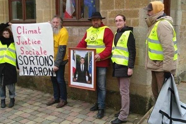 Action menée à Saint Sébastien-sur-Loire (près de Nantes) par le groupe d'ANV-COP21