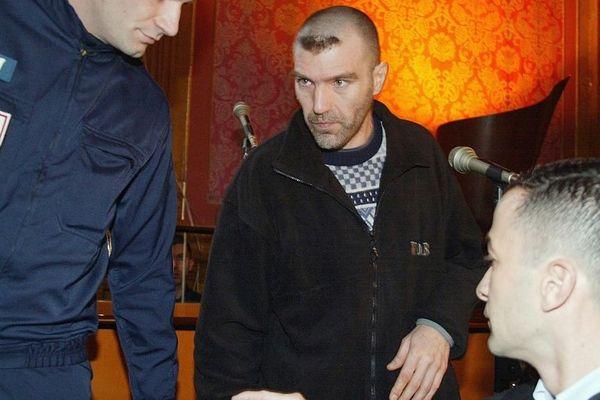 Maître Pierre Alfort (à droite sur la photo) défendait déjà Patrice Alègre lors de son procès devant les assises de Haute-Garonne en 2002.