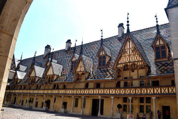 L'Hôtel-Dieu des Hospices de Beaune se classe en sixième position, notamment derrière la Place Stanislas de Nancy, lauréate.