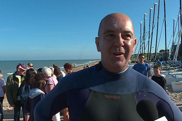 Le nageur Frédéric Péron avant son départ à la nage pour l'île d'Yeu, le lundi 8 juillet 2019